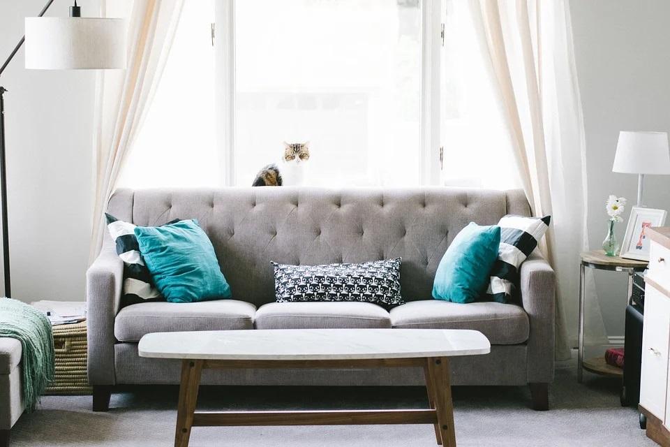 Ways You Can Use Furniture and Accessories to Make Your House Feel Warm